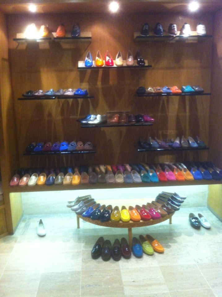 Atika Shoes Store by Atika