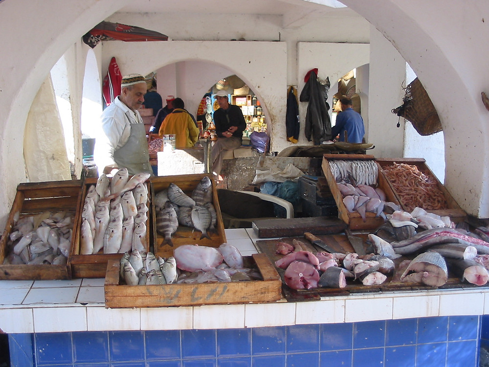 Fishing market and fishing port