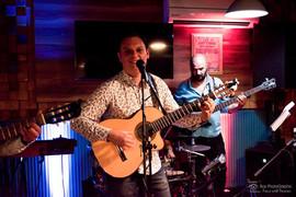 Ulala Band, muzica 100 % LIVE