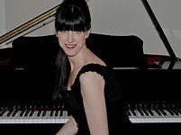 Vanessa Hastings wedding singer.jpg