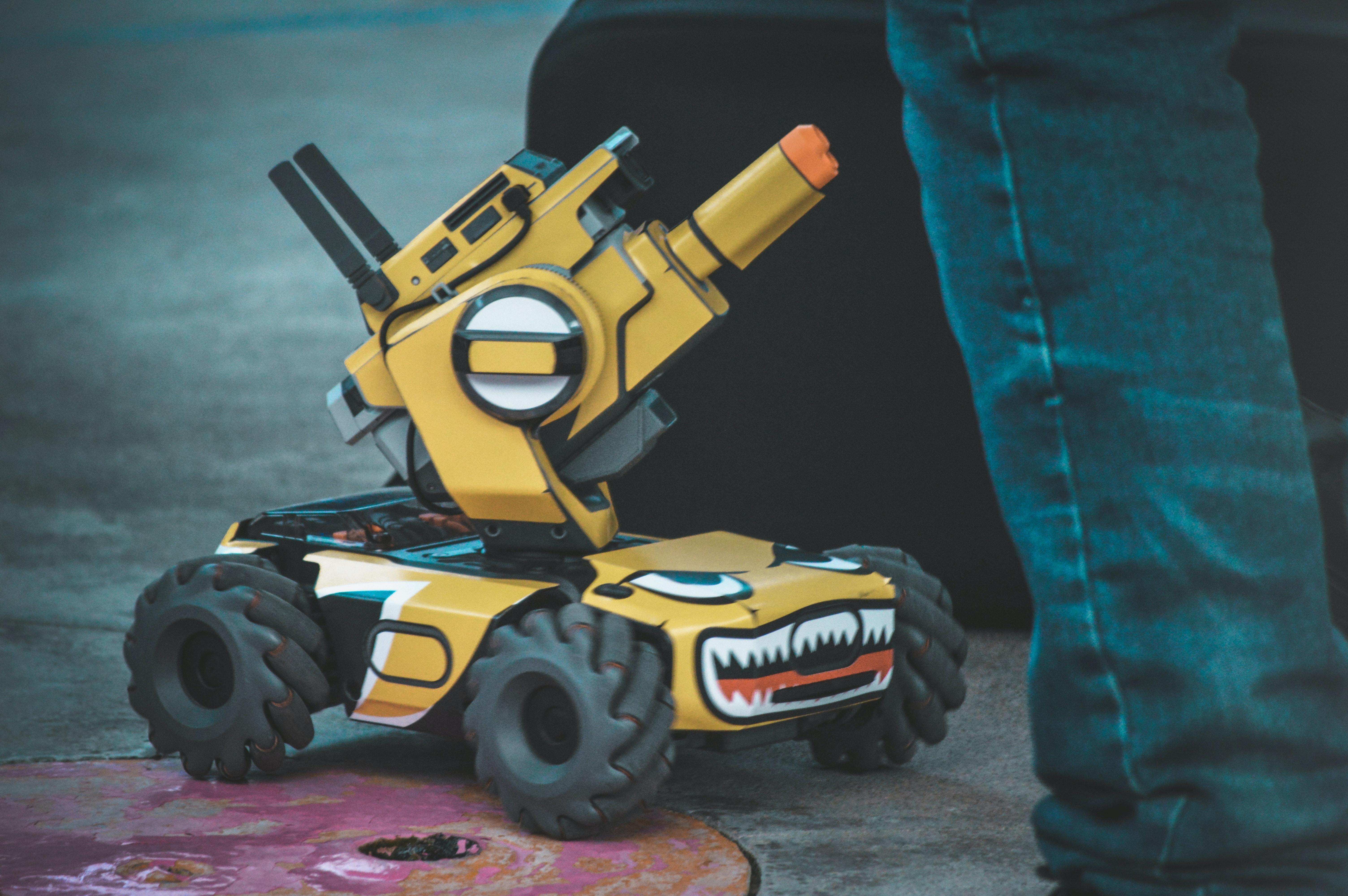16 ROBOTS KIDS CAN ACTUALLY MAKE