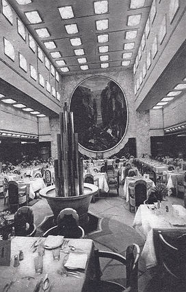 1a,_The_first_class_dining_room_aboard_t