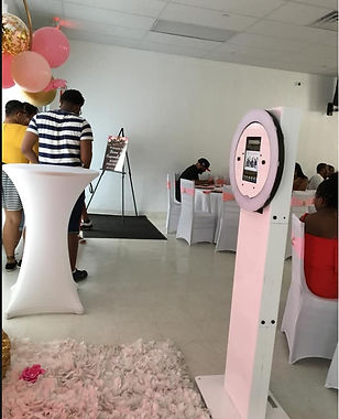 photo booth inside.jpg