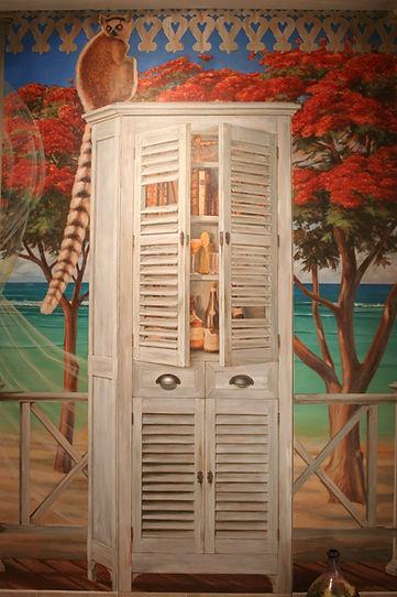 Fausse armoire cachant la vraie porte.JP