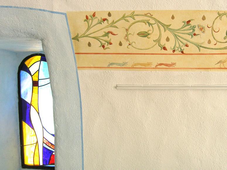 Frise de la chapelle des Auberts