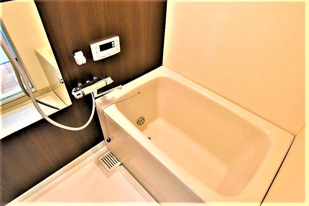 高級ホテルの浴室みたいで、とても綺麗です