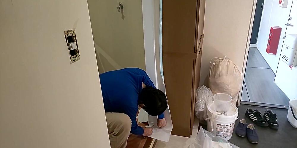 洗面脱衣所・壁紙施工の様子
