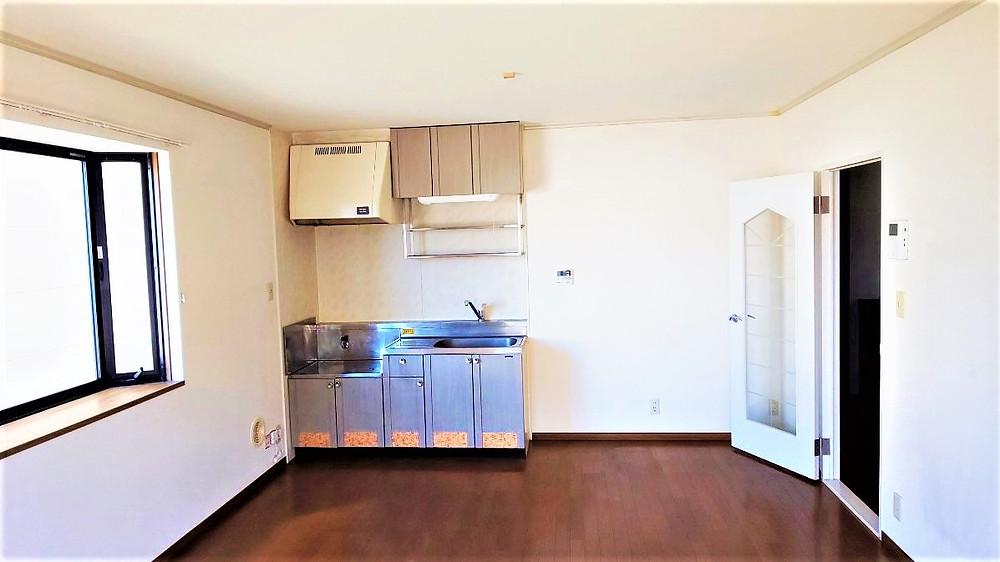 アパート当初のキッチンをそのまま活用。