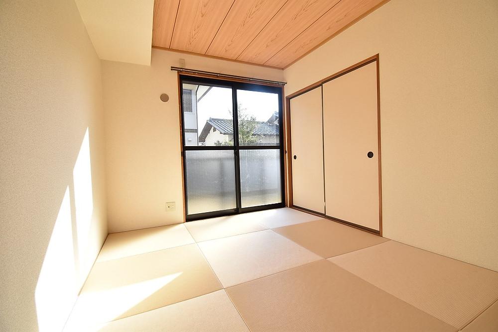 市松模様が美しい琉球畳を導入しています。