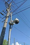 駐車場入り口に、防犯カメラを設置