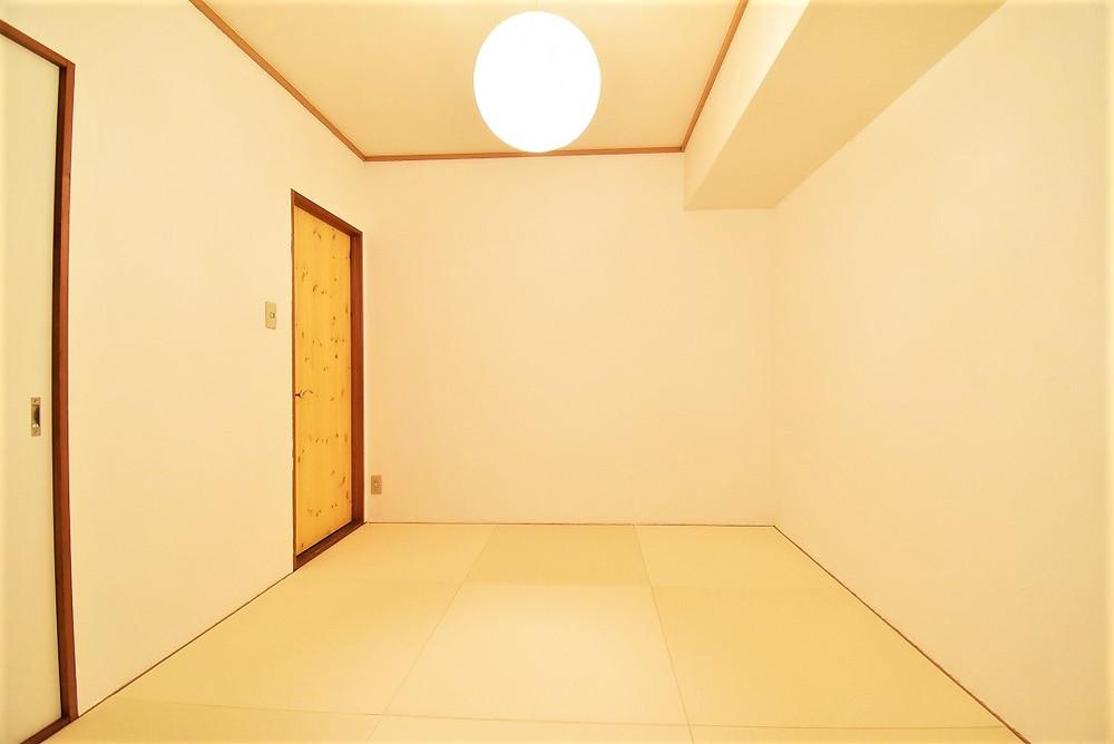 漆喰が光を反射するので、夜でもお部屋全体が明るくなります