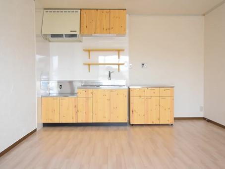ホワイトインテリア生活に憧れていた方へ。壁&床が白のお部屋ご紹介できます。