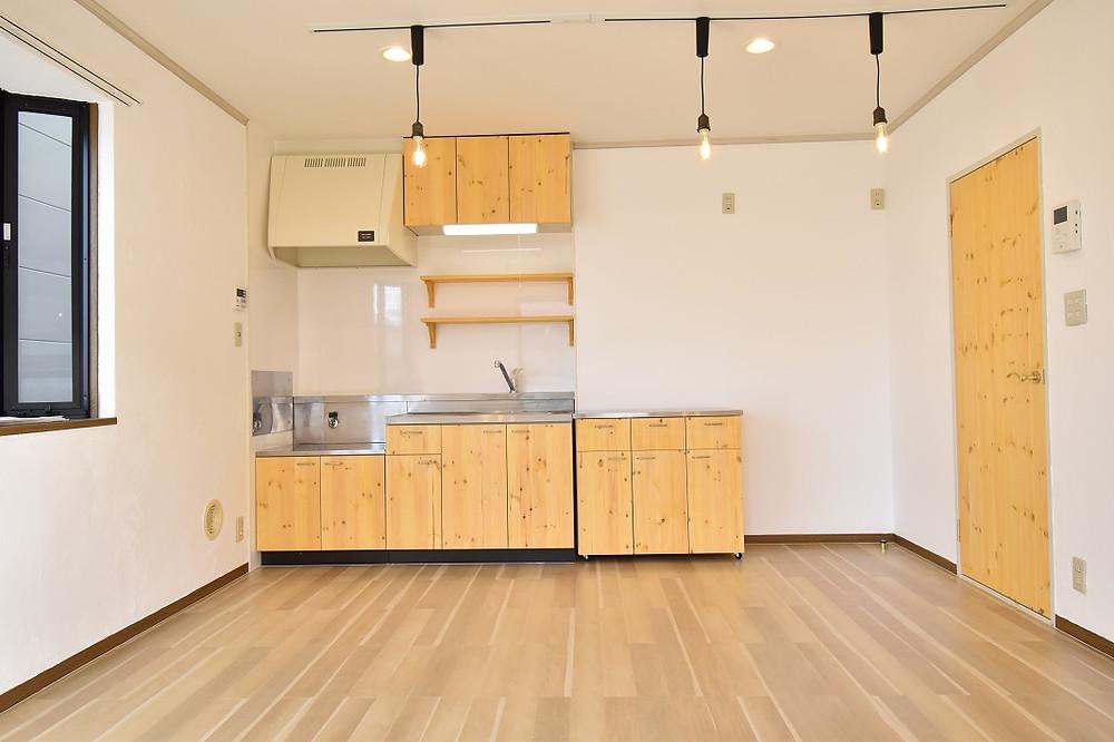 おしゃれなキッチンが標準装備になっているのがグレイスロイヤルのリノベーション賃貸