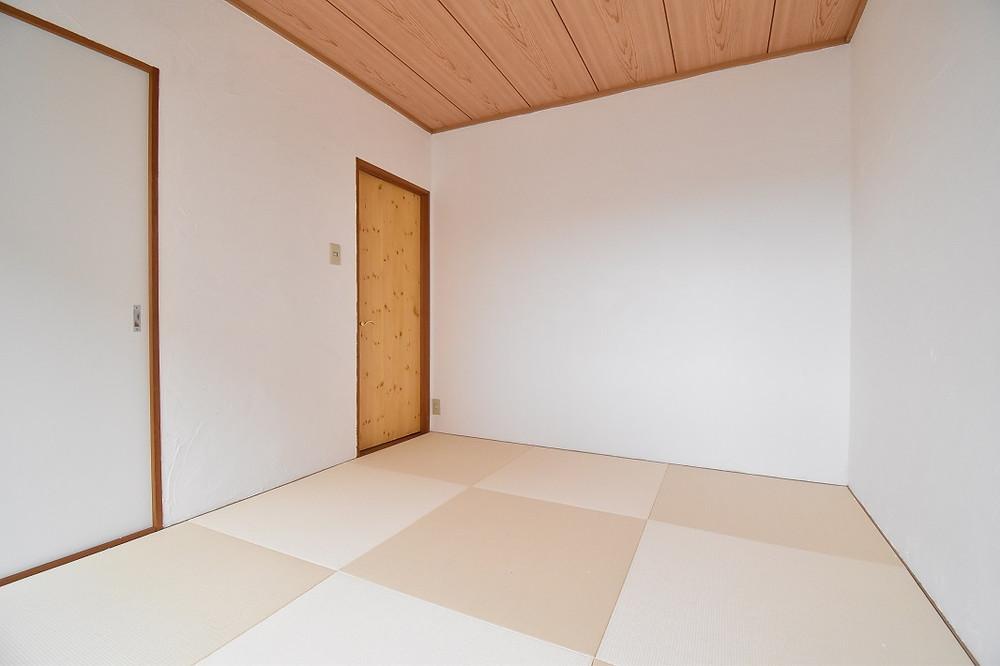 天井以外は漆喰を施工