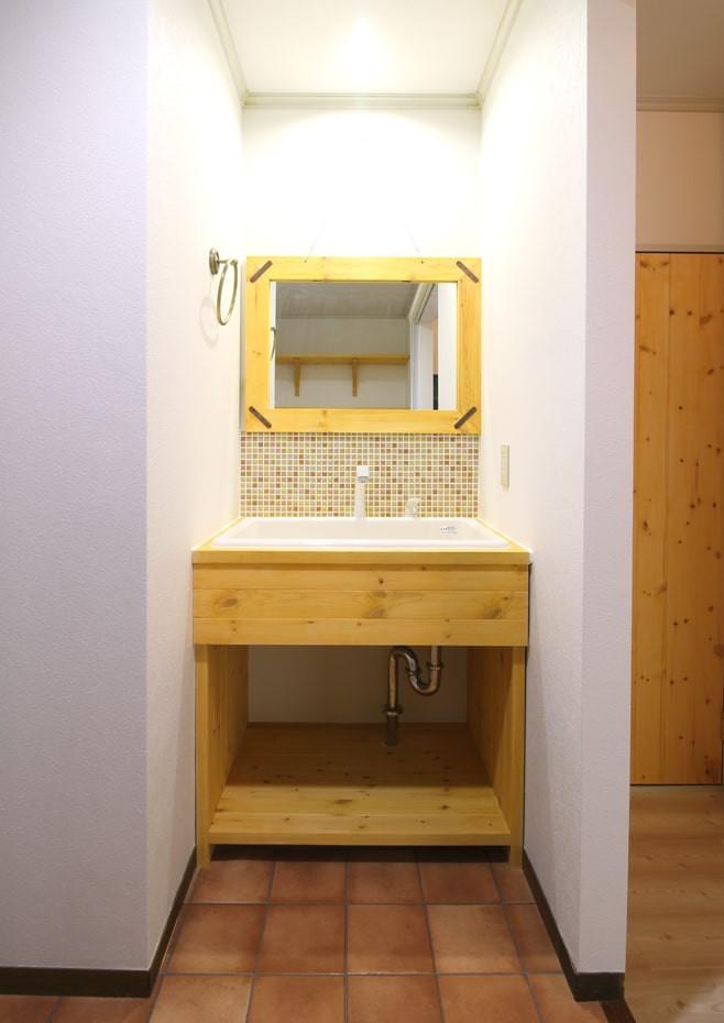 ナチュラル洗面台は毎朝の身支度の時間を変えます