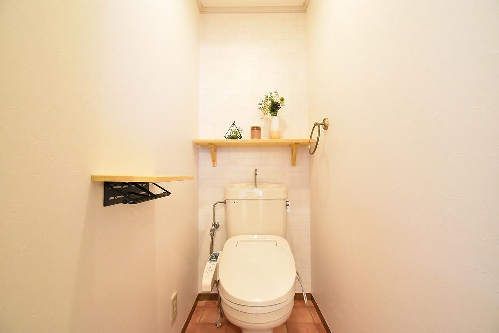 グレイスロイヤルS105号室のトイレ。オシャレでかわいいトイレが自慢。