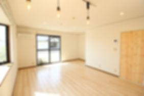 解放感あふれるおしゃれなカフェのような空間が魅力的なS201号室