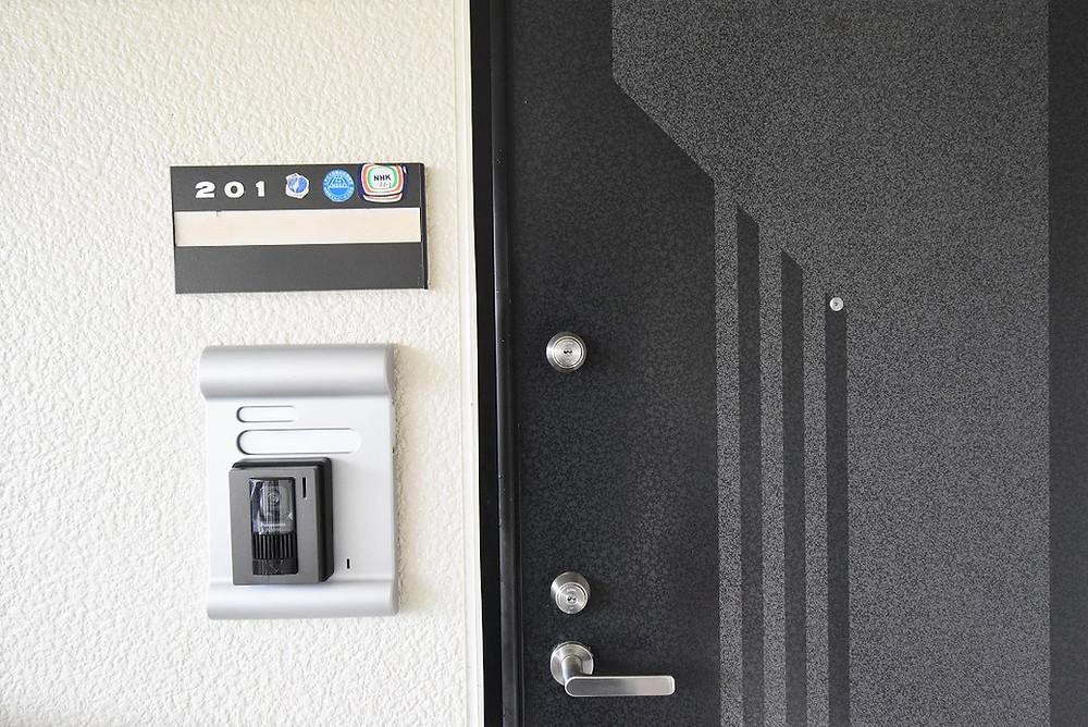 補助錠があることで、室内侵入時間を遅らせることが期待できます