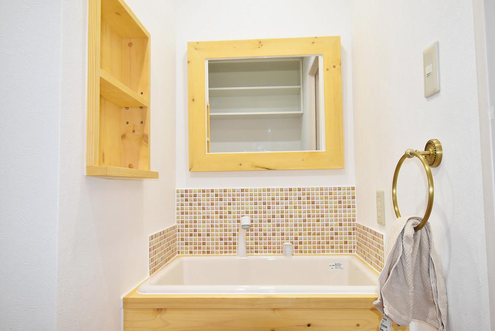 おしゃれすぎる洗面台。現在募集中のS101号室には標準装備されています。