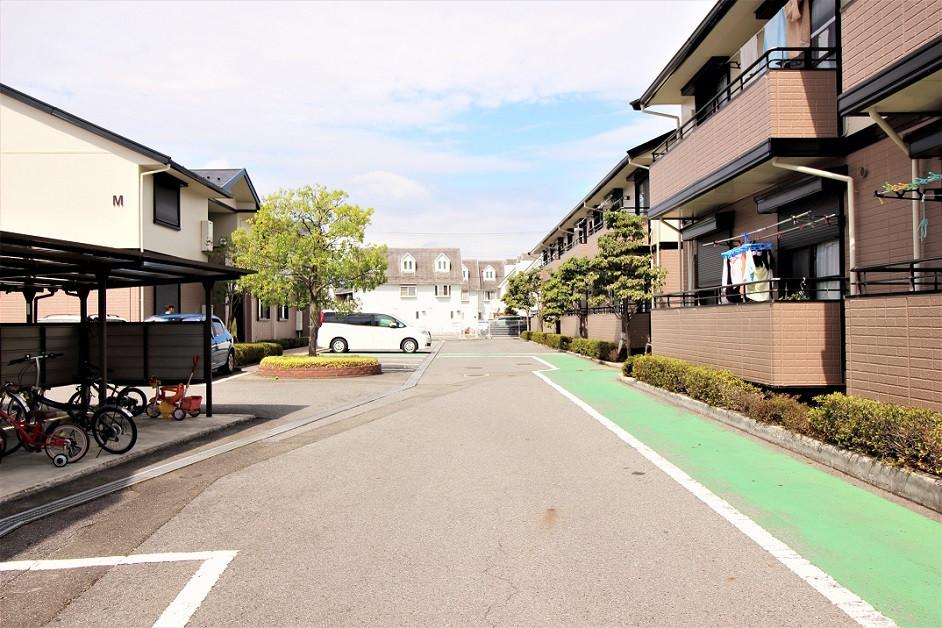 ひとつの街を連想させるような居心地がいい空間