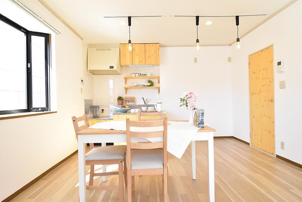 おしゃれなカフェ風キッチン。甲府市大里町グレイスロイヤル