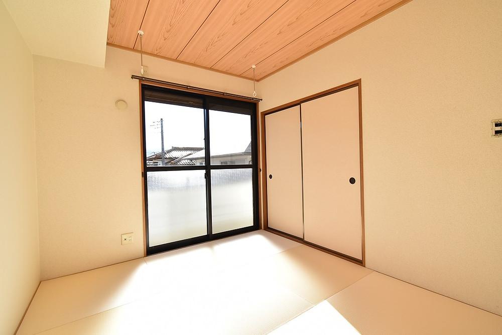 おしゃれな琉球畳がある和室部屋はリラックスする時とても便利。