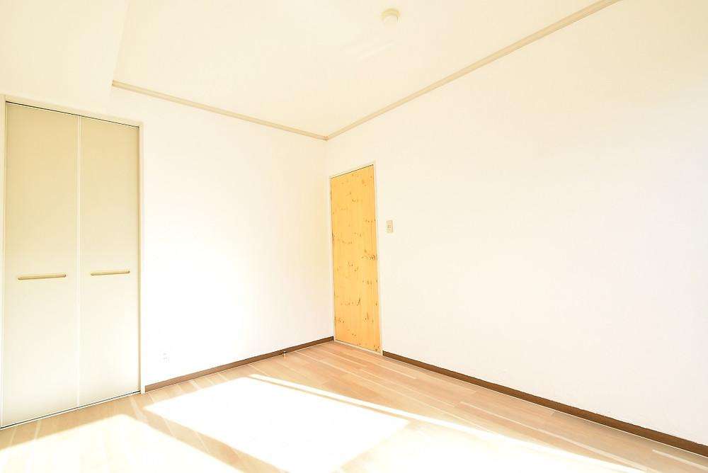 南側に洋室があるので、お日様の光がとても心地いです
