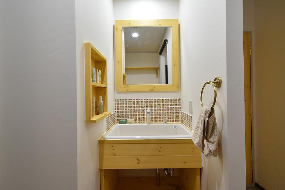 完全オーダーメイドで作った洗面台は、もう感動ものです。