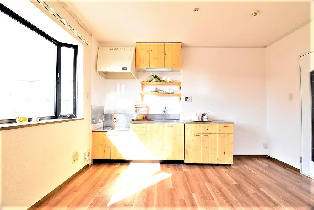 キッチンに関しては、Elegantroom仕様となっています。
