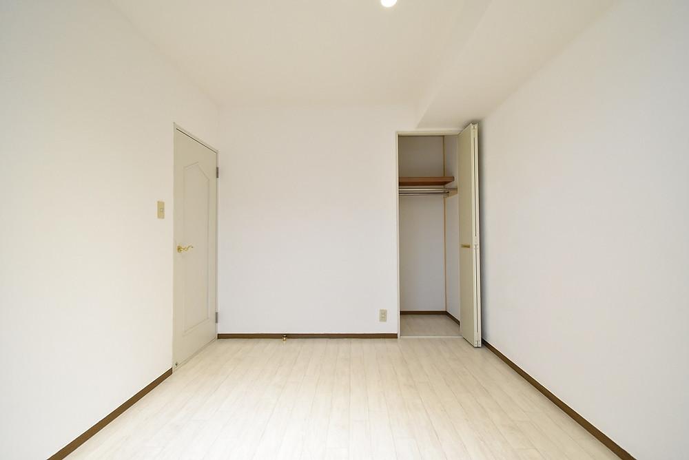 棚があった収納を取り除くだけでも、十分集客力効果はあります。