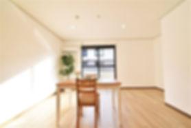 シンプルだけど、とてもおしゃれな部屋なのがグレイスロイヤルのリノベーション