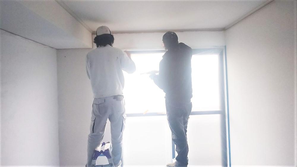 職人さんたちに塗ってもらったので、壁に味が出ています