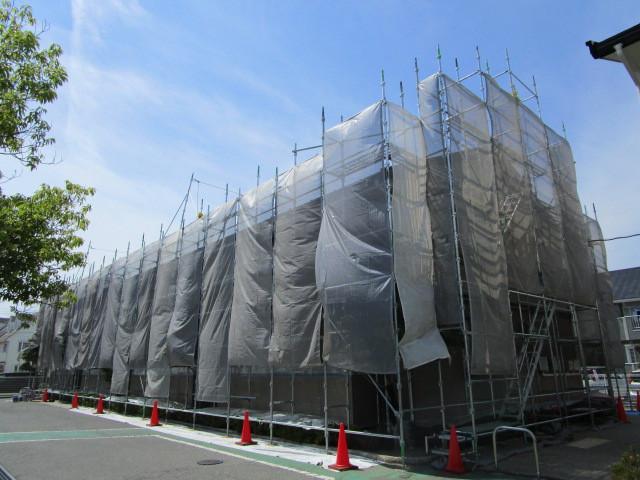 甲府市大里町にあるグレイスロイヤルは、外壁塗装をしっかりしてます
