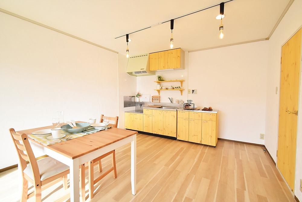 リノベーションをする際、良い素材を使っているので、一室完成させるために約300万円かかっています