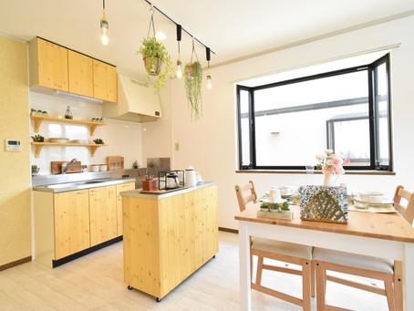 賃貸アパートのキッチンが劇的に使いやすくなった、グレイスロイヤルのリノベーションキッチン。