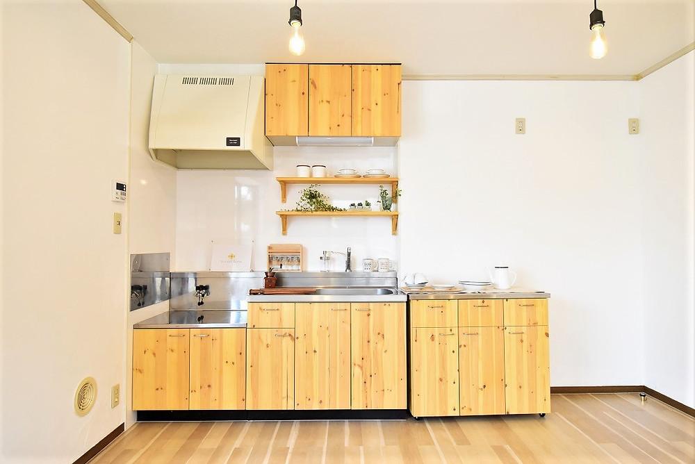 山梨県の賃貸リノベーションでナチュラルテイストのキッチンがあるのはグレイスロイヤルだけ