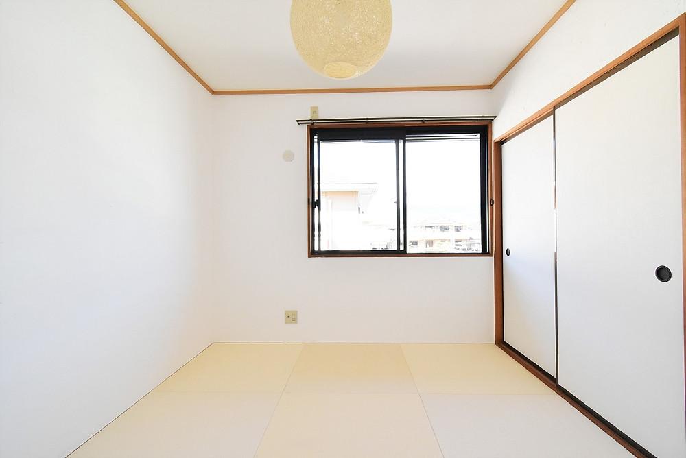 山梨おしゃれ賃貸・グレイスロイヤルには、和モダン空間が魅力的な琉球畳を採用しています