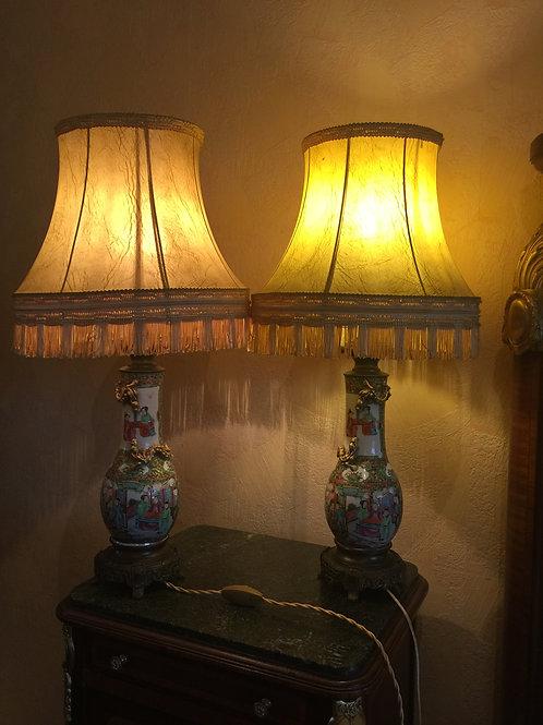 Paire de lampes en porcelaine de canton