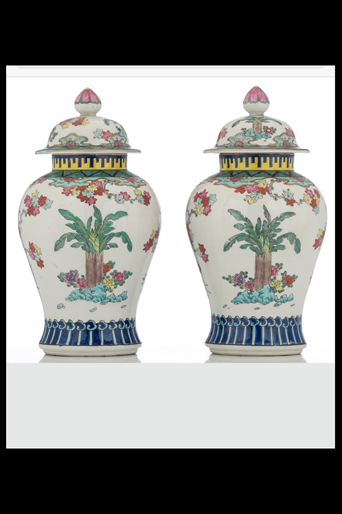 Paire de vases en porcelaine de Chine