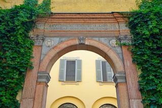 Palazzo Trivulzio, Piazza S. Alessandro 6