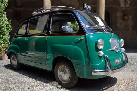 Taxi Fiat 600 multipla