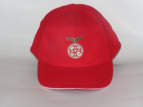 Boné vermelho