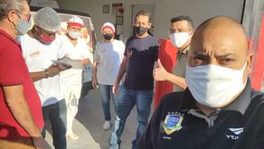 Dirigentes colhem assinatura de trabalhadores para campanha salarial