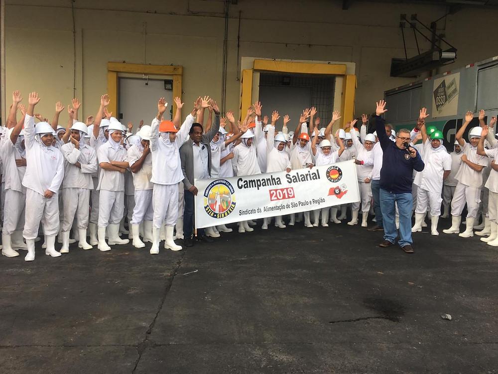 JBS: Sindicato fecha acordo com aprovação dos trabalhadores