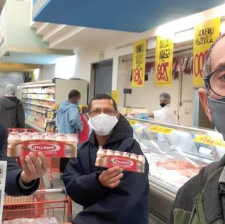 Dirigentes visitam promotor no Mercado Veran