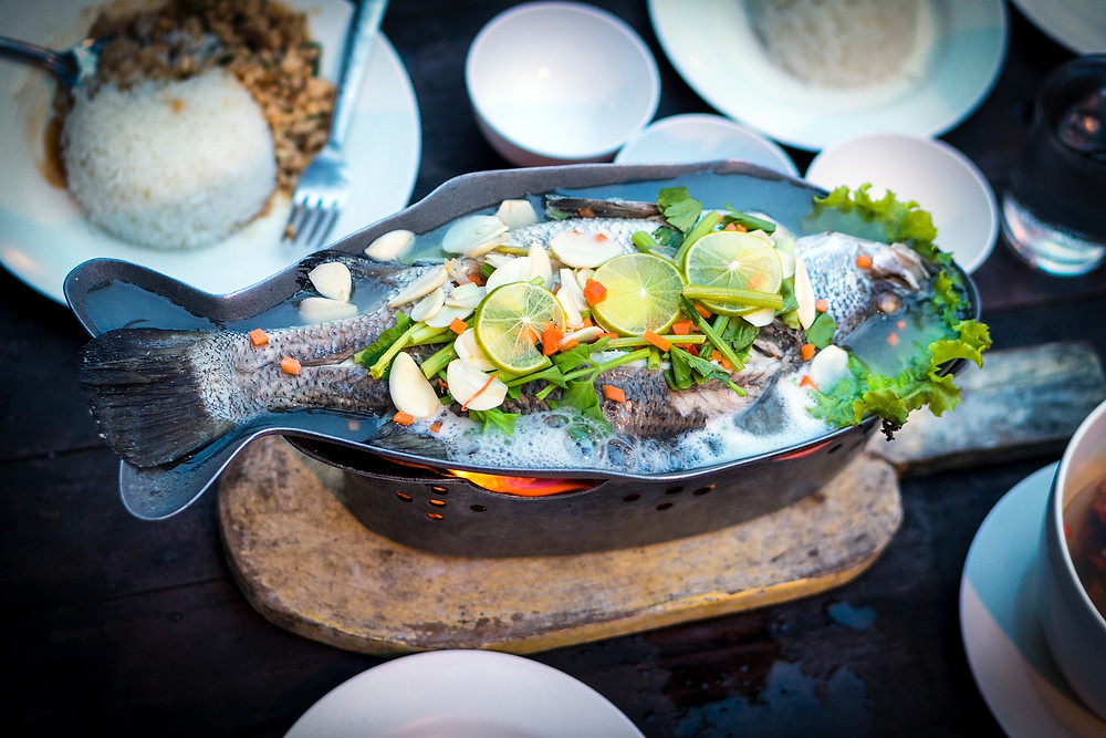 Pla neung manao (steamed fish with lime)
