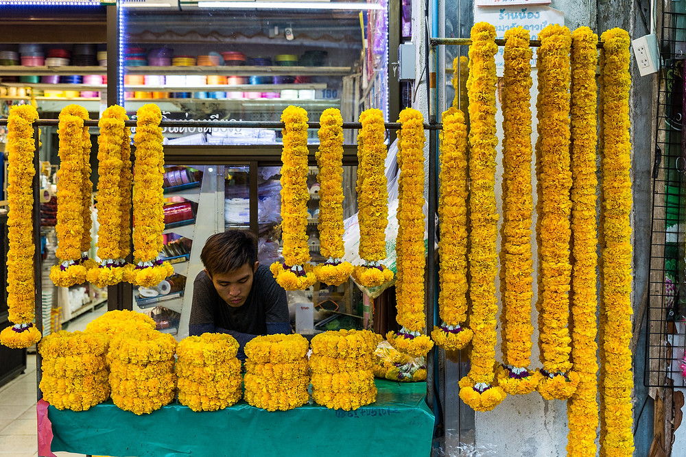Marigolds at Pak Khlong Talat flower market in Bangkok, Thailand - photo by Ninara