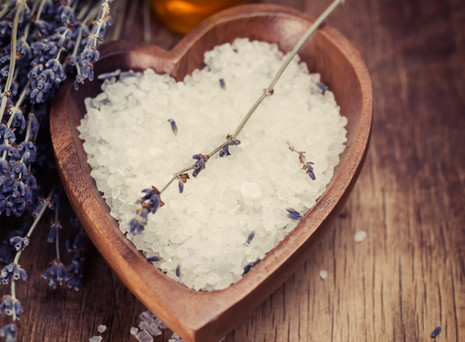 Cleanse your chakras with a soothing salt bath