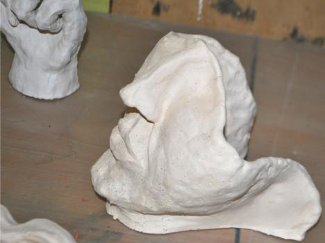 Forma przestrzenna ceramiczna.