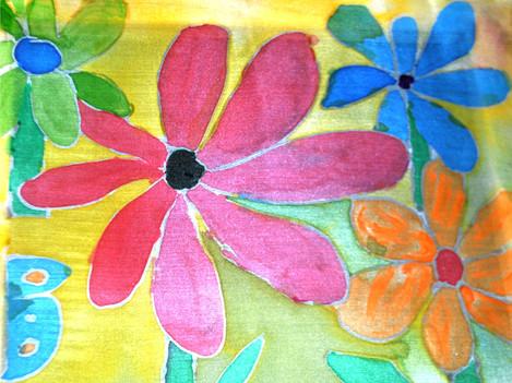 Praca malowana na jedwabiu.